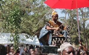 Sa majesté Moumbé Fotso est le nouveau roi des Bamougoum