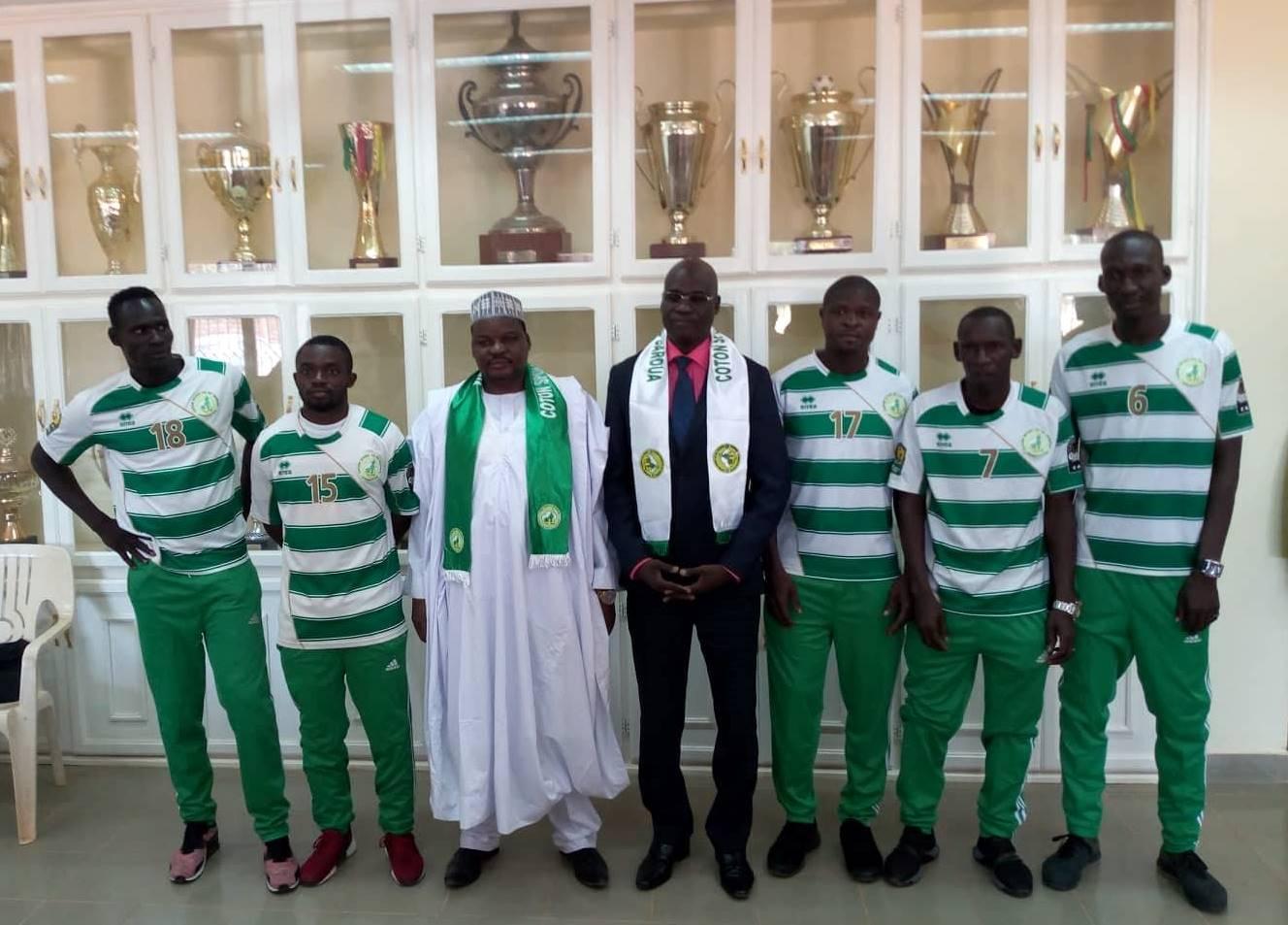 Elimbi, Mangolo, Lapan et 02 internationaux tchadiens s'engagent avec Coton…