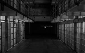 Un prisonnier a agressé à mort deux détenus pédophiles
